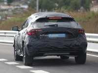 infiniti-qx30-spied-for-the-first-time-will-enter-production-in-2015-photo-gallery_1