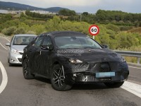 infiniti-qx30-spied-for-the-first-time-will-enter-production-in-2015-photo-gallery_2