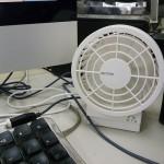 デスクトップに扇風機
