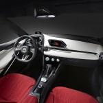 跳を彷彿させる真っ赤な内装も選べるMazda2オーストラリア仕様