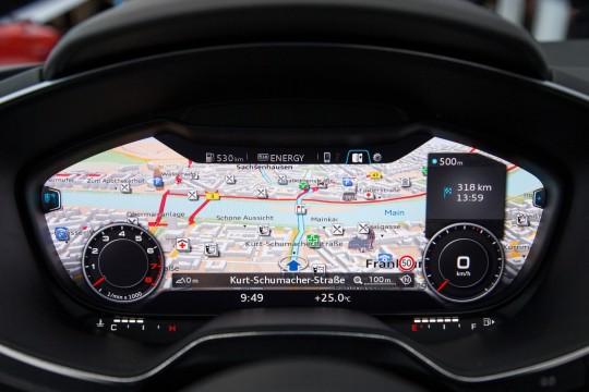 新型Audi TTフルデジタルクラスターメーター