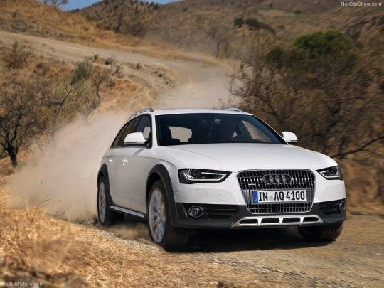 Audi-A4_allroad_quattro_2013_800x600_wallpaper_01