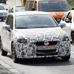 ドイツナンバーを付けた新型Mazda2(デミオ)のテスト車両