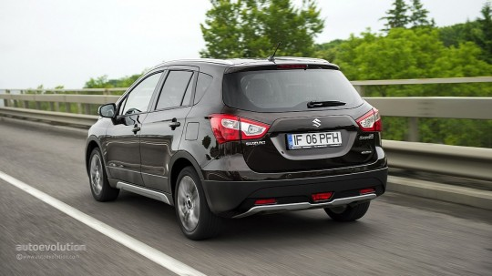2014-suzuki-sx-4-s-cross-first-drive-720p-2