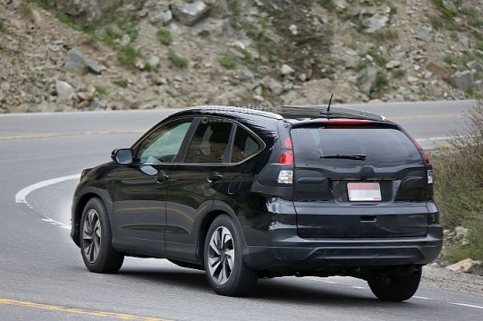 spyshots-2016-honda-cr-v-facelift-testing-in-the-us-medium_10