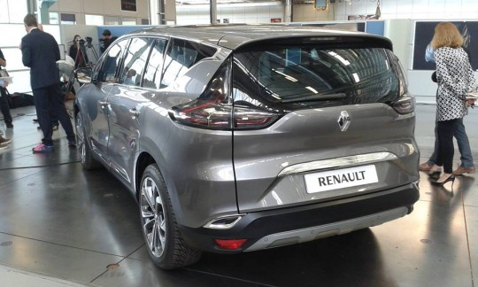 Renault-Espace-2015
