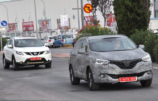 all-new-2016-renault-koleos-spied-with-production-body-for-the-first-time_2