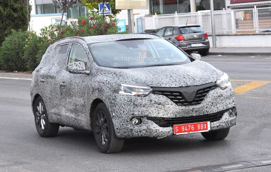 all-new-2016-renault-koleos-spied-with-production-body-for-the-first-time_3