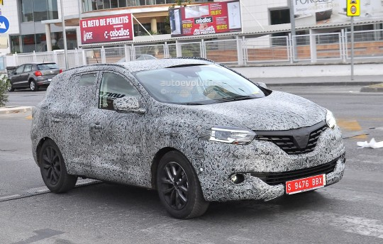 all-new-2016-renault-koleos-spied-with-production-body-for-the-first-time_4