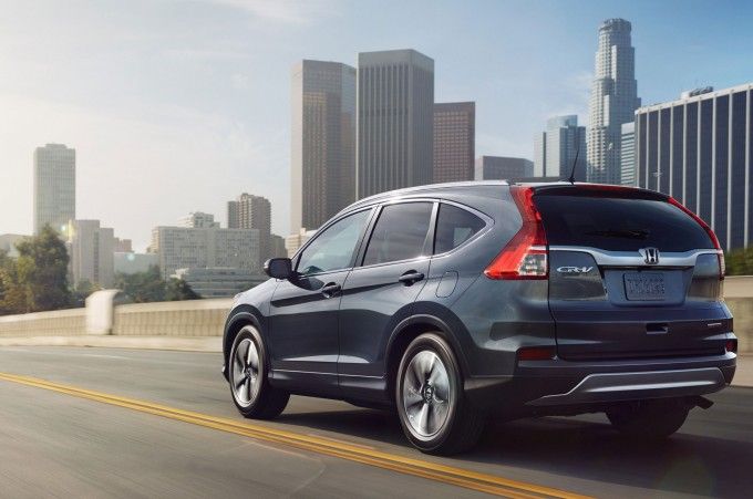 2015-honda-cr-v-rear-three-quarter-in-los-angeles