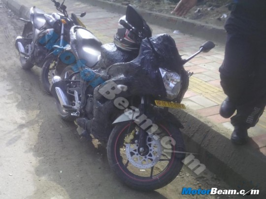 Suzuki-Gixxer-fully-faired-spied-in-India