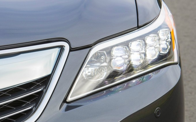 acura-rlx-recalled-over-headlight