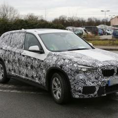 BMW新型X1のスパイショット