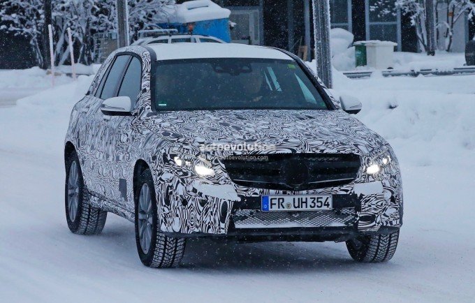 2016-mercedes-glc-plug-in-hybrid-spied-for-the-first-time-photo-gallery_1