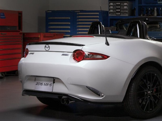 2016 Mazda MX-5 accessories design concept