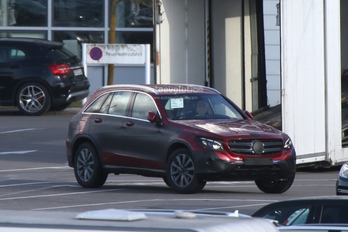 mercedes-benz-glc-spied-with-minimal-camouflage-including-450-amg-sport-model_15