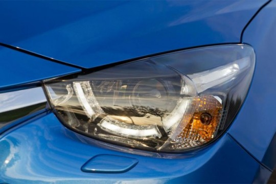 mazda2-head-lamp-washer