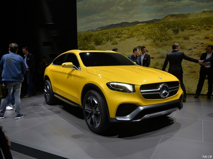 Mercedes-Concept-GLC-Coupe-front-three-quarter-left-in-Shanghai