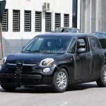 アルファロメオ、フィアット500Lのボディーで偽装し新型SUVをテスト中