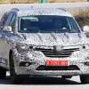 ルノーの新型7シーターSUVのテスト車両、新型タリスマン風味に