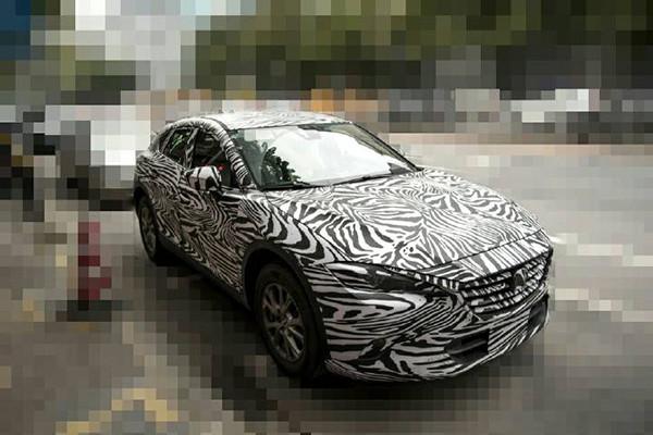 Mazda-CX-4-front-three-quarters-spy-shot