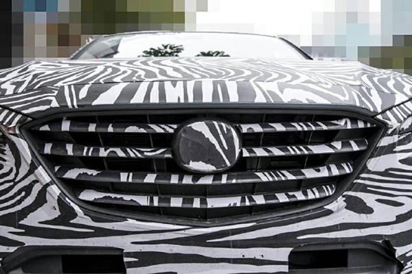 Mazda-CX-4-grille-spy-shot