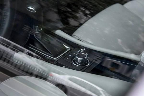 Mazda-CX-4-interior2