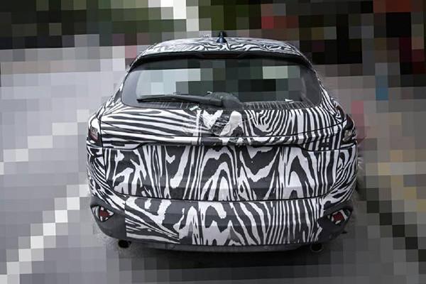Mazda-CX-4-rear-spied