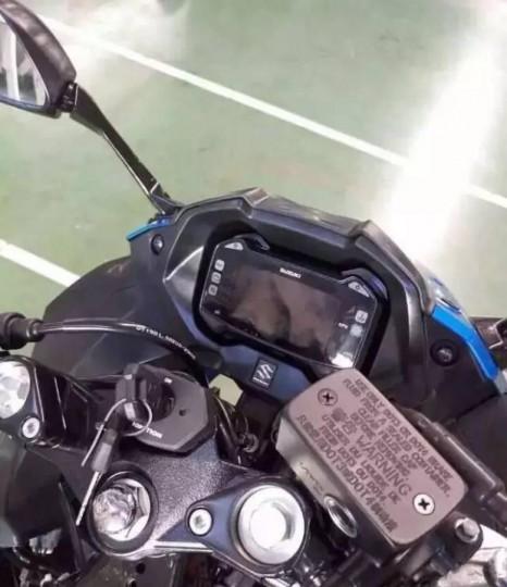 Suzuki-Gixxer-250-instrument-cluster-spied