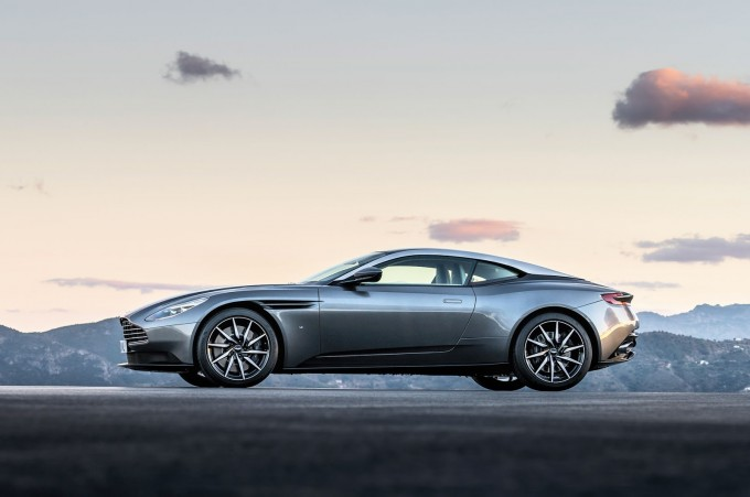Aston-Martin-DB11_CS3