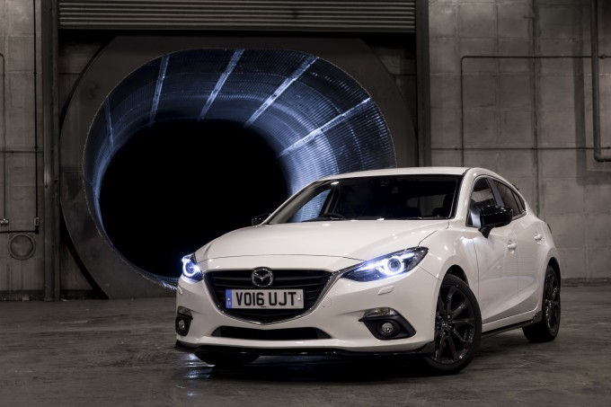 2016-mazda3-sport-black-special-edition-uk-02