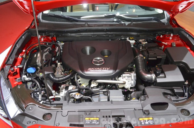 Mazda3-1.5L-SKYACTIV-D-engine-at-2016-Geneva-Motor-Show-3