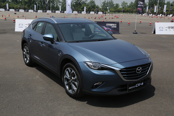 2017-mazda-cx-4-color-003