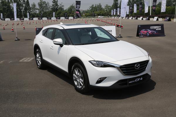 2017-mazda-cx-4-color-004