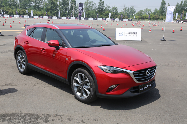 2017-mazda-cx-4-color-005