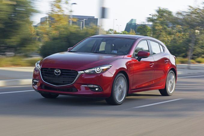 2017_Mazda3_19