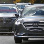 スバルの新型3列シートSUVと見られるテスト車両の写真