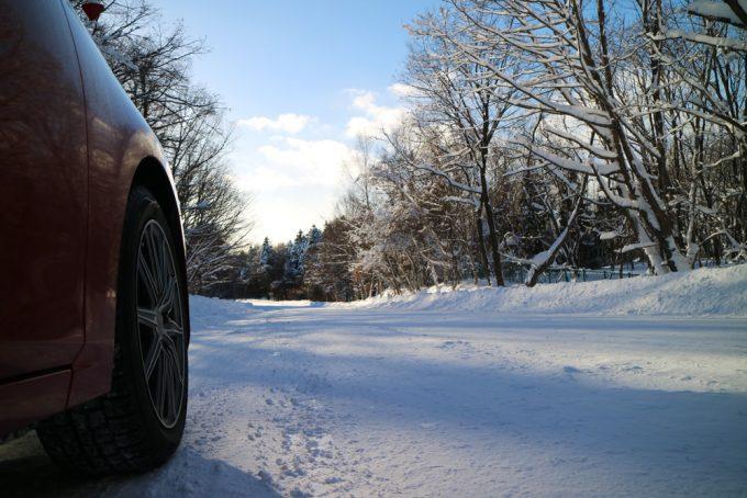 マツダ車純正サイズのスタッドレスタイヤをチェック