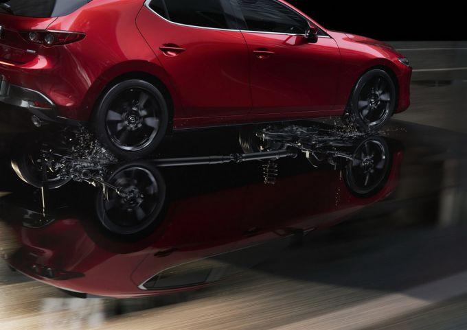 マツダ、Mazda3 SKY-G 2.0にi-ACTIV AWDを追加