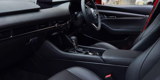 英国マツダ、新型Mazda3の価格を発表