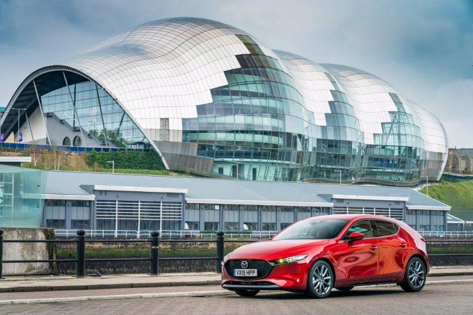 新型Mazda3、英国で「Family Car of the Year」に選ばれる