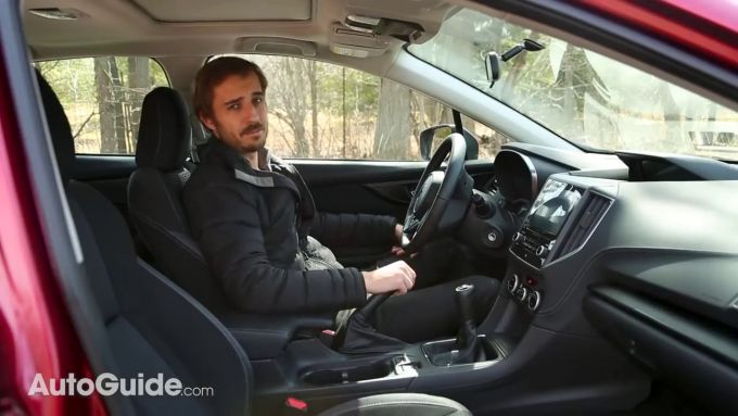 新型Mazda3 AWDとImprezaのライバル比較動画