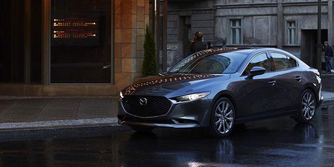 2019 Mazda3の手動防眩ルームミラー脱落の恐れでリコール