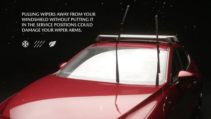 加マツダ、Mazda3のワイパーの立て方を動画で説明