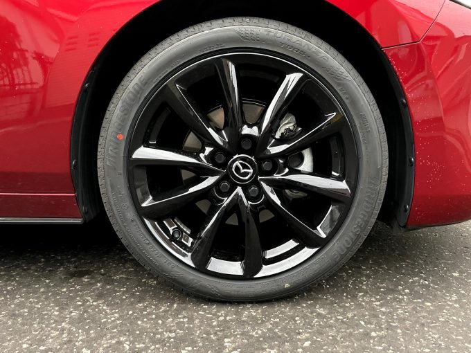 Mazda3(BPEP)納車後63日目、夏タイヤに交換!これで真の姿に